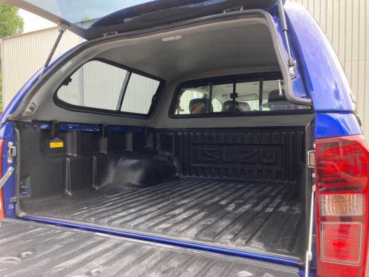 photo for Chevrolet Colorado MK3 (2012-ON) SJS Hardtop Double Cab - Central Locking Optional Extra