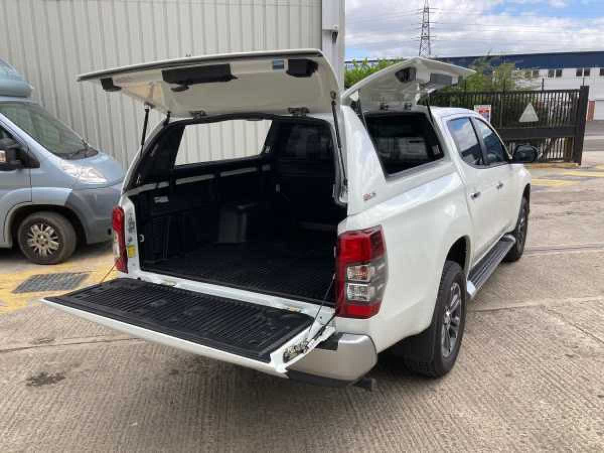 photo for Mitsubishi L200 MK7 Series 5 (2015-2019) Fleet Runner Hardtop Double Cab