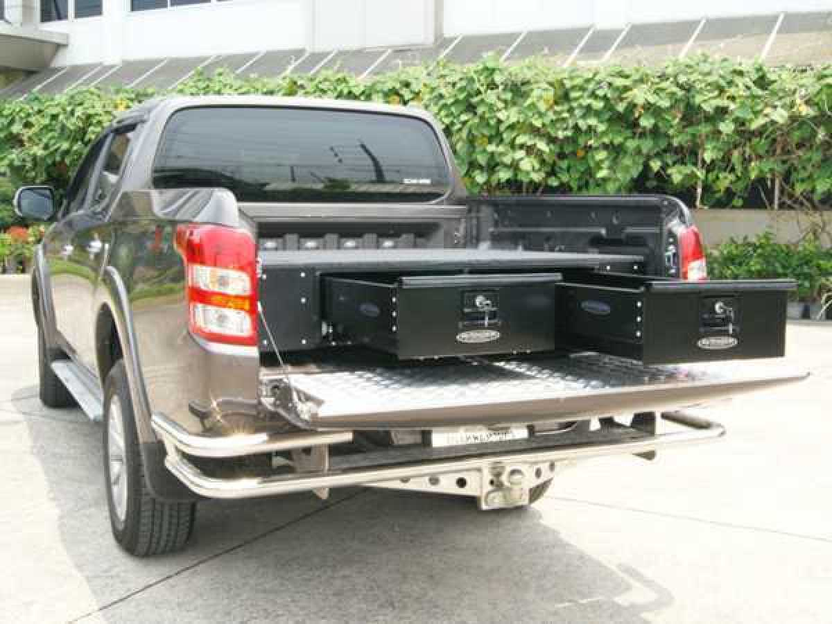 Mitsubishi L200 MK8 Series 6 (2019-ON) Low Tray Bins