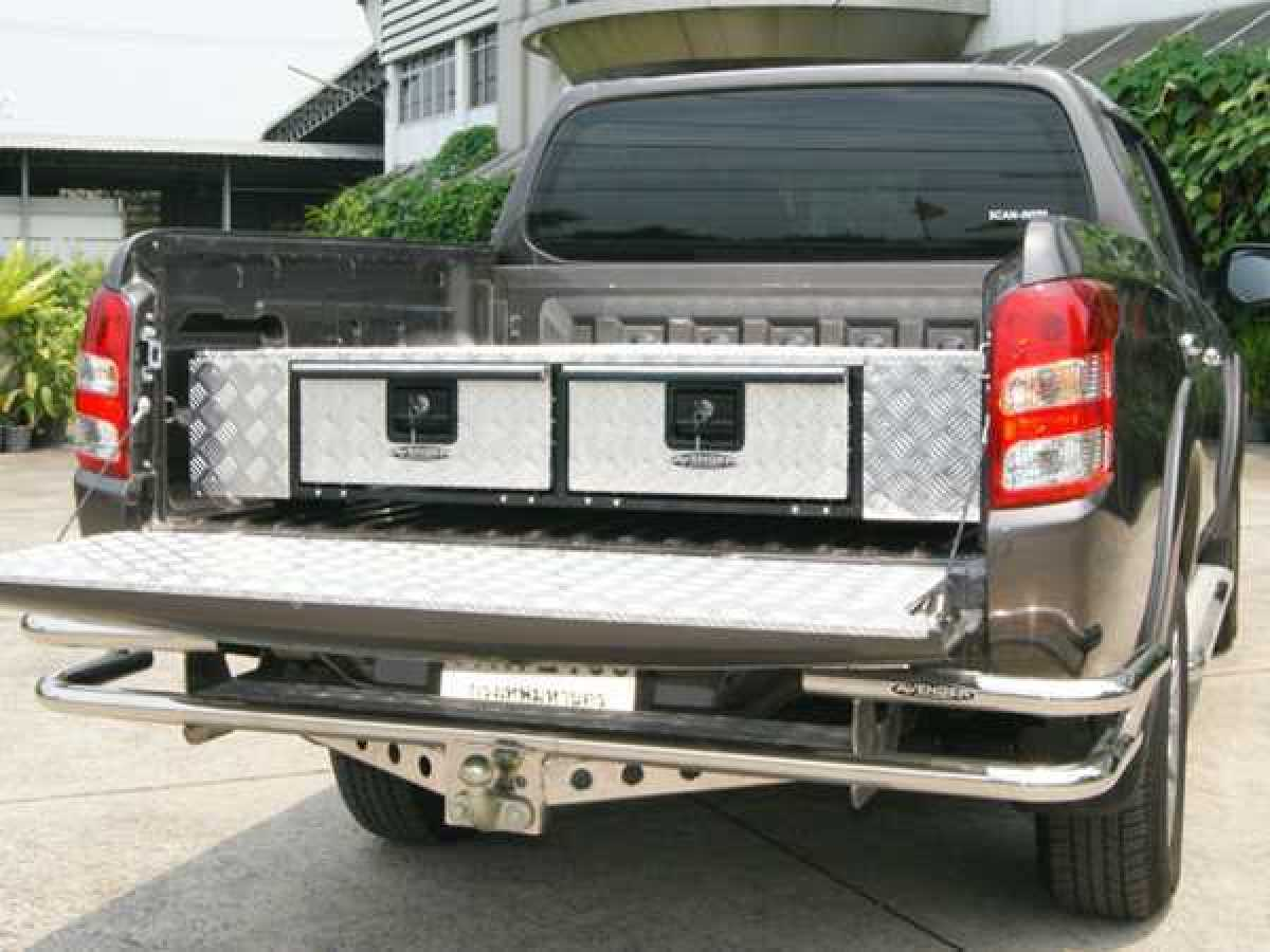 Mitsubishi L200 MK8 Series 6 (2019-ON) Low Chequer Plate Tray Bins