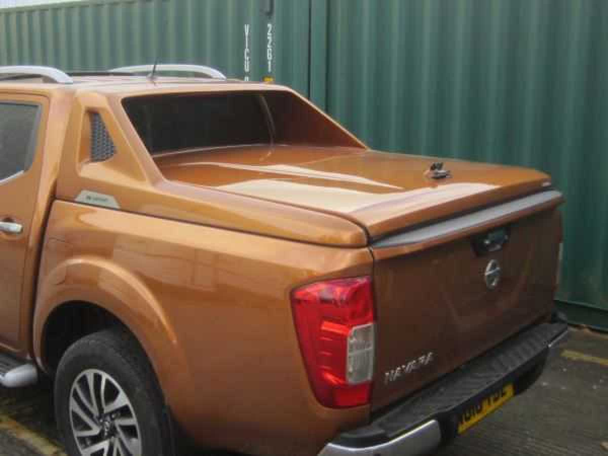 Nissan Navara NP300 (2016-ON) R-series Sport Tonneau Covers