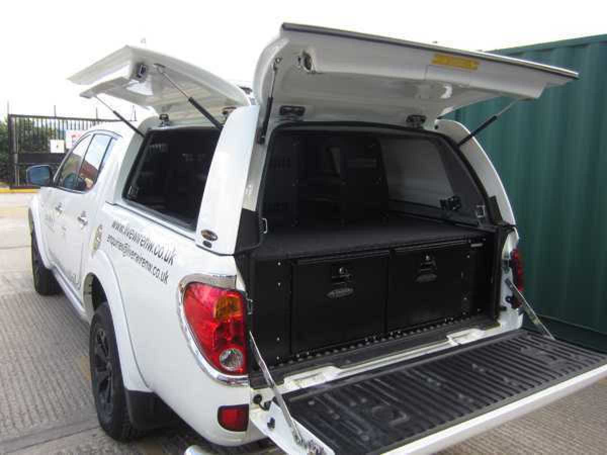 Mitsubishi L200 MK6 LB Low Roof Workstyle3 - A66 Starlight Silver Hardtop Double Cab