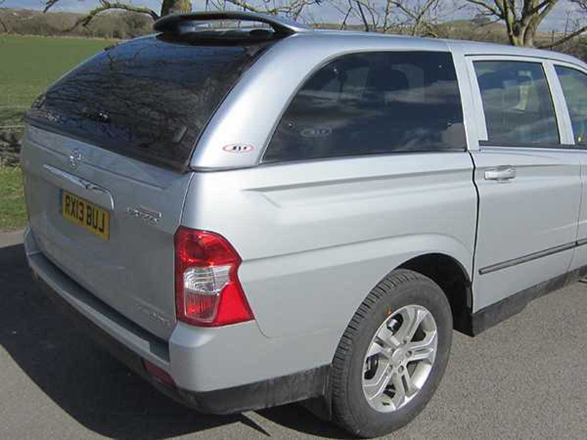 Ssangyong Korando SJS Hardtop Double Cab - Central Locking Optional Extra