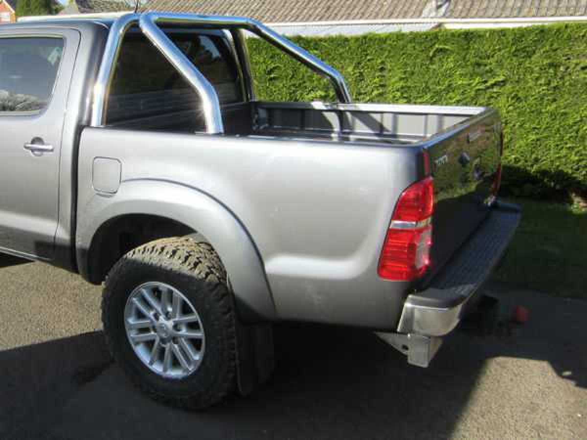 Toyota Hilux MK9 / Revo (2016-2018) Single Hoop Roll Bar 76mm Stainless Steel